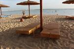 Здрави шезлонги за плажна ивица