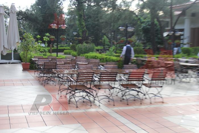 дървени столове за ресторанти за открито