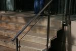 парапети за стълбища от алуминии и стъкло по поръчка