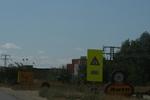 производство и монтаж на предупредителни пътни знаци и указателни табели