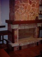 каменна декорация на камина