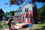 Облицоване на сгради с червен сайдинг