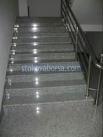 гранитно облицоване на стълбище