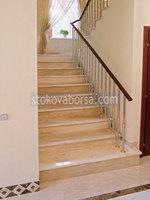 облицоване с гранит на стълбище
