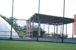 изработка на дървен навес за спортно съоръжение