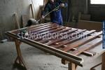 изграждане на дървени огради с цветено лакиране