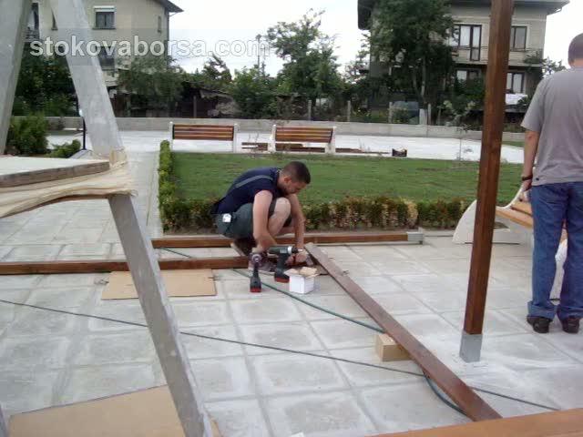 Поръчков навес от дървен материал