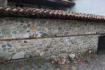 ограда по поръчка от тухли, бетон или камъни
