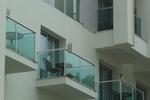 парапети за тераси от инокс и зелено стъкло